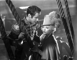Marion Davies Along With A Man in Prince Outfit in Black and White Photo Print GLP464568