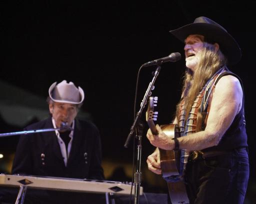 Bob Dylan and Willie Nelson performing in Fort Worth, Texas Photo Print