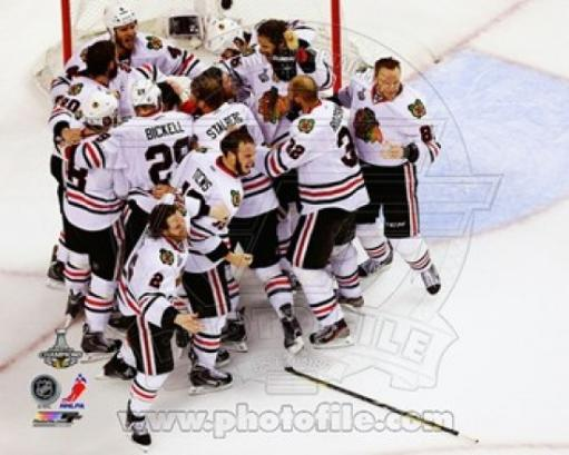The Chicago Blackhawks celebrate winning Game 6 of the 2013 Stanley Cup Finals Sports Photo Z5PXZFXLAMV29WC9