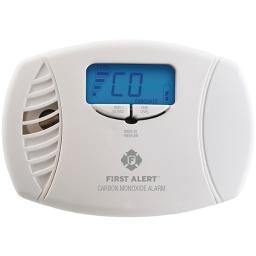 First alert(r) 1039746 dual-power carbon monoxide plug-in alarm with digital display