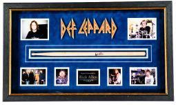 def-leppard-autographed-drumstick-signed-by-rick-allen-in-framed-case-0pihxhkgalx1moyl