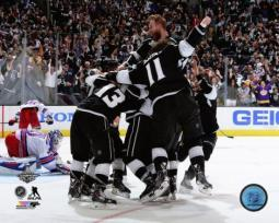 The Los Angeles Kings Celebrate Winning Game 5 of the 2014 Stanley Cup Finals Photo Print PFSAAQZ07201