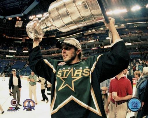 Mike Modano with the Stanley Cup Photo Print OCJSWAYJQ64YR2JM