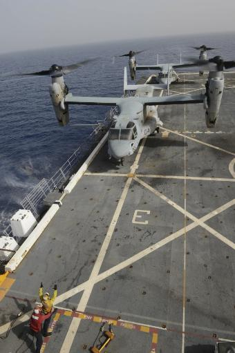 Mediterranean Sea, March 6, 2014 - An MV-22 Osprey lands aboard the amphibious transport dock ship USS Mesa Verde Poster Print