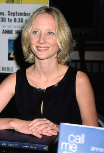 Anne Heche At A Barnes & Noble Book Signing Of Her Autobiography, Nyc, 972001, By Cj Contino. Celebrity