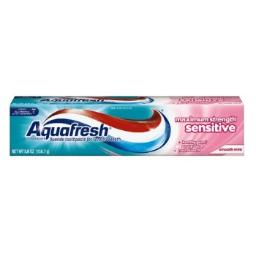 Aquafresh Sensitive Toothpaste Smooth Mint, 5.6-Ounce (Pack of 4)