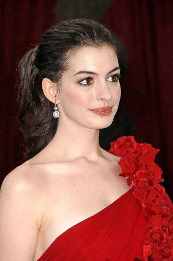 Anne Hathaway At Arrivals For Red Carpet - 80Th Annual Academy Awards Oscars Ceremony, The Kodak Theatre, Los Angeles, Ca, February 24, 2008. X1DFAZEKY5VC22TJ