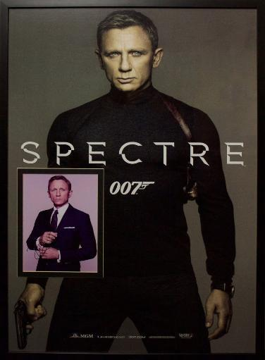 James Bond Spectre - Signed Photo in Movie Poster MZTS43RNZZJSH5Q3