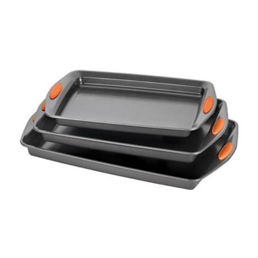Rachael Ray 56524 Yum-o Nonstick Bakeware 3-Piece Oven Lovin Cookie Pan Set, Gray with Orange Silicone Grips