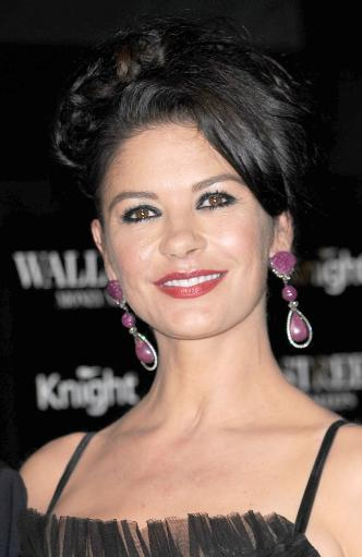 Catherine Zeta Jones At Arrivals For Wall Street 2: Money Never Sleeps Premiere, The Ziegfeld Theatre, New York, Ny September 20, 2010. Photo By:. GGXCV07ZIO4NV6AF