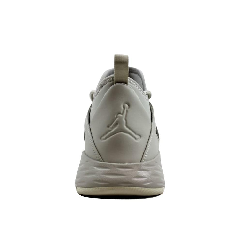 473f5f598be709 Nike Nike Air Jordan Formula 23 Light Bone Light Bone-Sail 881465-014