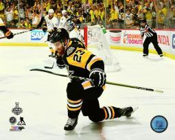 Scott Wilson Goal Celebration Game 2 of the 2017 Stanley Cup Finals Photo Print PFSAAUE03601