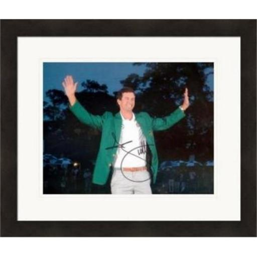 Autograph Warehouse 343008 8 x 10 in. Adam Scott Autographed Photo - Golf 2013 Masters Champion No. SC2 Green Jacket Matted & Framed