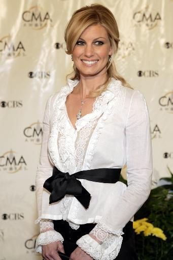 Faith Hill At The 38Th Annual Country Music Awards At The Grand Ole Opry House, Nashville, Tn, November 9, 2004.(Photo By Sam JordanEverett.