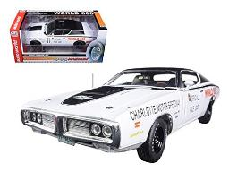Autoworld AW223 1971 Dodge Charger White Charlotte Motor Speedway World 600 Pace Car Limited Edition to 1002 Piece 1-18 Diecast Model Car