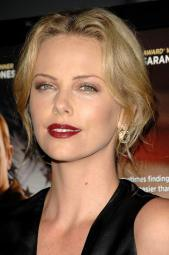 Charlize Theron At Arrivals For In The Valley Of Elah Premiere, Arclight Hollywood Cinema, Los Angeles, Ca, September 13, 2007. Photo By: Dee Cercone/Everett Collection Photo Print EVC0713SPADX023H