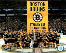 The Boston Bruins raise their 2011 Stanley Cup Chapionship Banner Sports Photo PFSAAOB24001