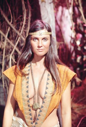 At The Earth'S Core Caroline Munro 1976 5017743(5017743) Photo Print 50COTJOW46VFC3NL