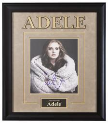 adele-signed-picture-poster-in-framed-case-u9iebvxrl6scwydv