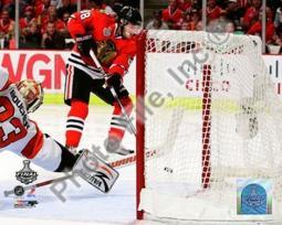 Patrick Kane Game Five of the 2010 NHL Stanley Cup Finals Goal PFSAAML08101