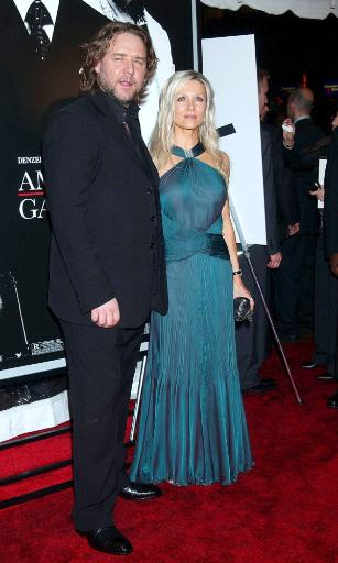 Russell Crowe, Danielle Spencer At Arrivals For Premiere Of American Gangster To Benefit The Boys And Girls Clubs Of America, The Apollo Theater.
