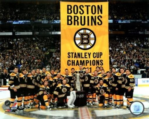 The Boston Bruins raise their 2011 Stanley Cup Chapionship Banner Sports Photo OBDZOIQDHYF7LIMF
