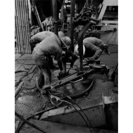 Posterazzi SAL255421787 Offshore Oil Rig Personnel in Gulf of Mexico During Operation Called Yo-Yoing Poster Print - 18 x 24 in.