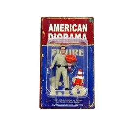American Diorama 77464 Highway Patrol Officer Collecting Cones Figurine / Figure for 1:18 Models