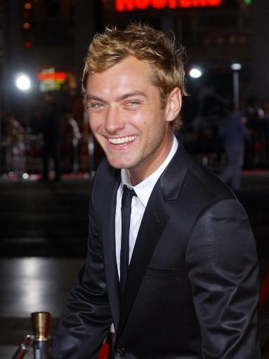 Jude Law At The Premiere Of Sky Captain And The World Of Tomorrow Sept. 14, 2004, In Los Angeles, Calif. Photo Print V8XWLAGNTDHOYECE