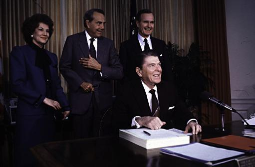Elizabeth Dole, Bob Dole, George Bush Sr and Ronald Reagan Photo Print TLPQ5YET3KDROSWX