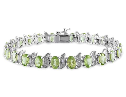 Peridot Bracelet 11.70 Carat (ctw) with Diamonds in Sterling Silver