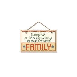 Highland woodcrafters  llc 4100087 9 5x5 5 nice  normal family wood sign