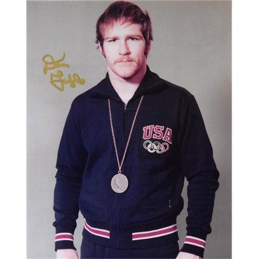 Autograph Warehouse 398778 8 x 10 in. Dan Gable Autographed Photo Image No. 22G Gold Medal