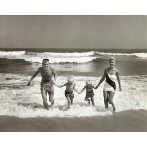 Posterazzi SAL2556762 Portrait of Parents & Their Two Children Running on the Beach Poster Print - 18 x 24 in.