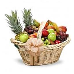 GiftTree 3135 First Class Fruit Gift Basket