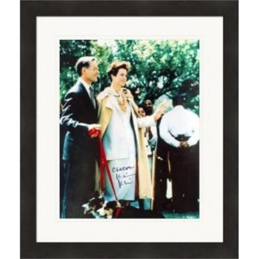 Autograph Warehouse 409655 8 x 10 in. Kevin Kline Autographed Matted & Framed Photo - Dave as President of the United States No. SC1