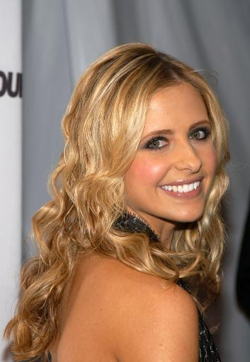 Sarah Michelle Gellar At The Glamour Magazine 2004 Women Of The Year Awards At The American Museum Of Natural History, Ny November 8, 2004. Photo.