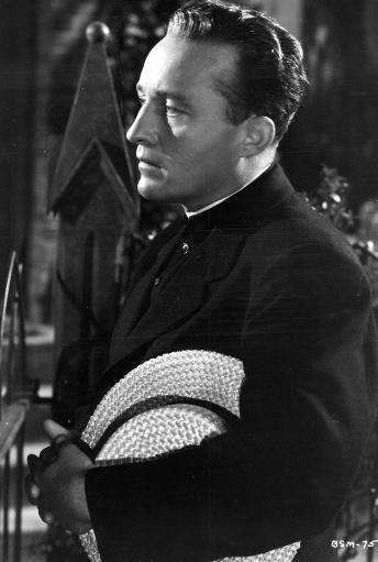Film still of Bing Crosby in The Bells of St Mary's Photo Print LDYOWJEQL8Y4B0XP