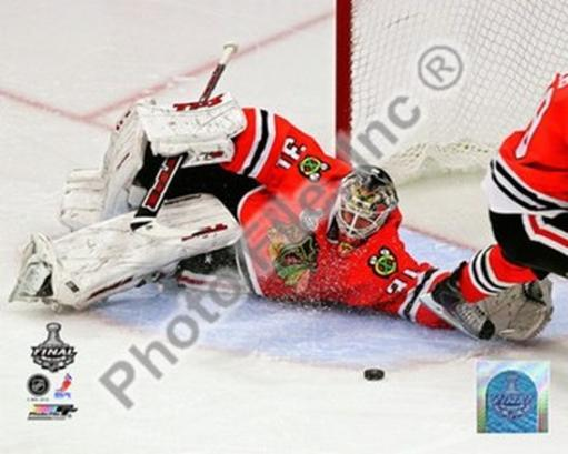 Antti Niemi Game Five of the 2010 NHL Stanley Cup Finals Action IGRIC9YA70W7QLUN