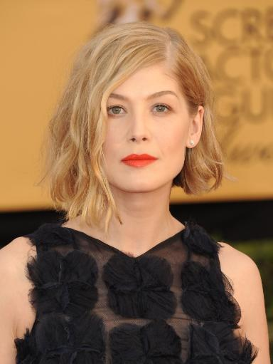Rosamund Pike At Arrivals For 21St Annual Screen Actors Guild Awards - Arrivals 2, The Shrine Exposition Center, Los Angeles, Ca January 25, 2015.