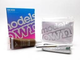 Models Own Now Brow Tint Kit: Chestnut 03, 1 tint, 1 brow brush, 1 mixing tray, 1 carrying case