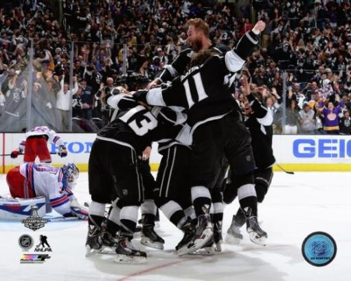 The Los Angeles Kings Celebrate Winning Game 5 of the 2014 Stanley Cup Finals Photo Print 1UMUBKRRFSR2PAYP