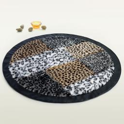 Onitiva - Naturalism Patchwork Rugs (35.4 by 35.4 inches)