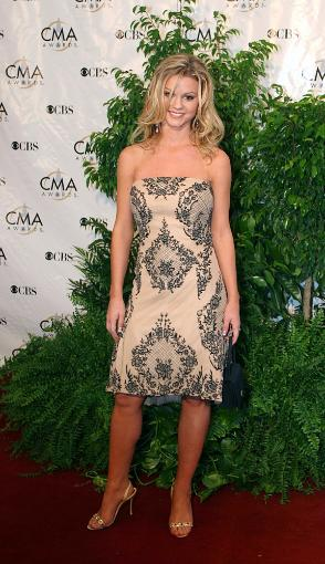 Katrina Elam At The 38Th Annual Country Music Awards At The Grand Ole Opry House, Nashville, Tn, November 9, 2004.(Photo By Sam JordanEverett.