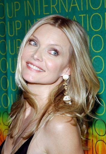 Michelle Pfeiffer At The Conceptualist Fashion Group International 21St Annual Night Of Stars At Cipriani'S, Ny, October 28, 2004. Photo Print