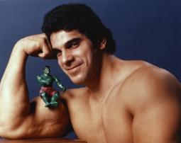 Lou Ferrigno with Incredible Hulk Action Figure Portrait Photo Print GLP456580