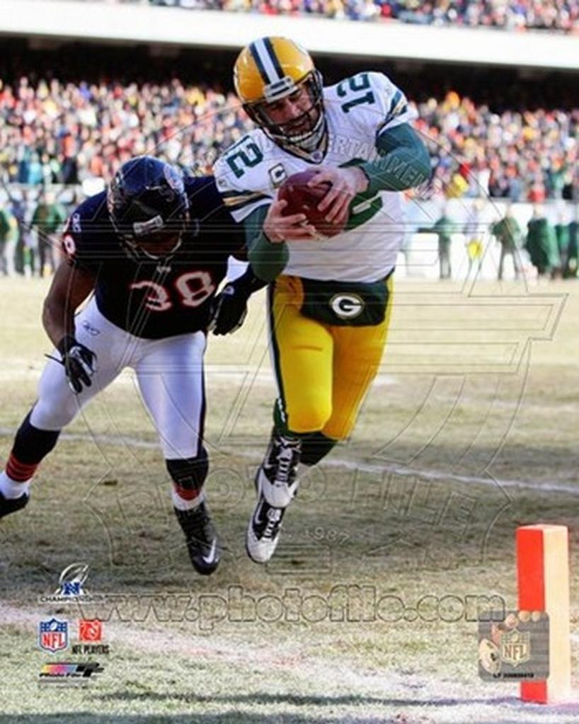Aaron Rodgers 2010 NFC Championship Game Touchdown Run Sports Photo