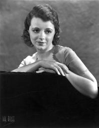 Janet Gaynor Leaning on a Couch Portrait Photo Print GLP466572LARGE